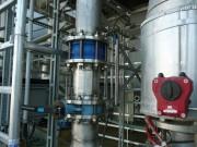 Montáž stáčecího a plnícího potrubí kyseliny sírové a dusičné